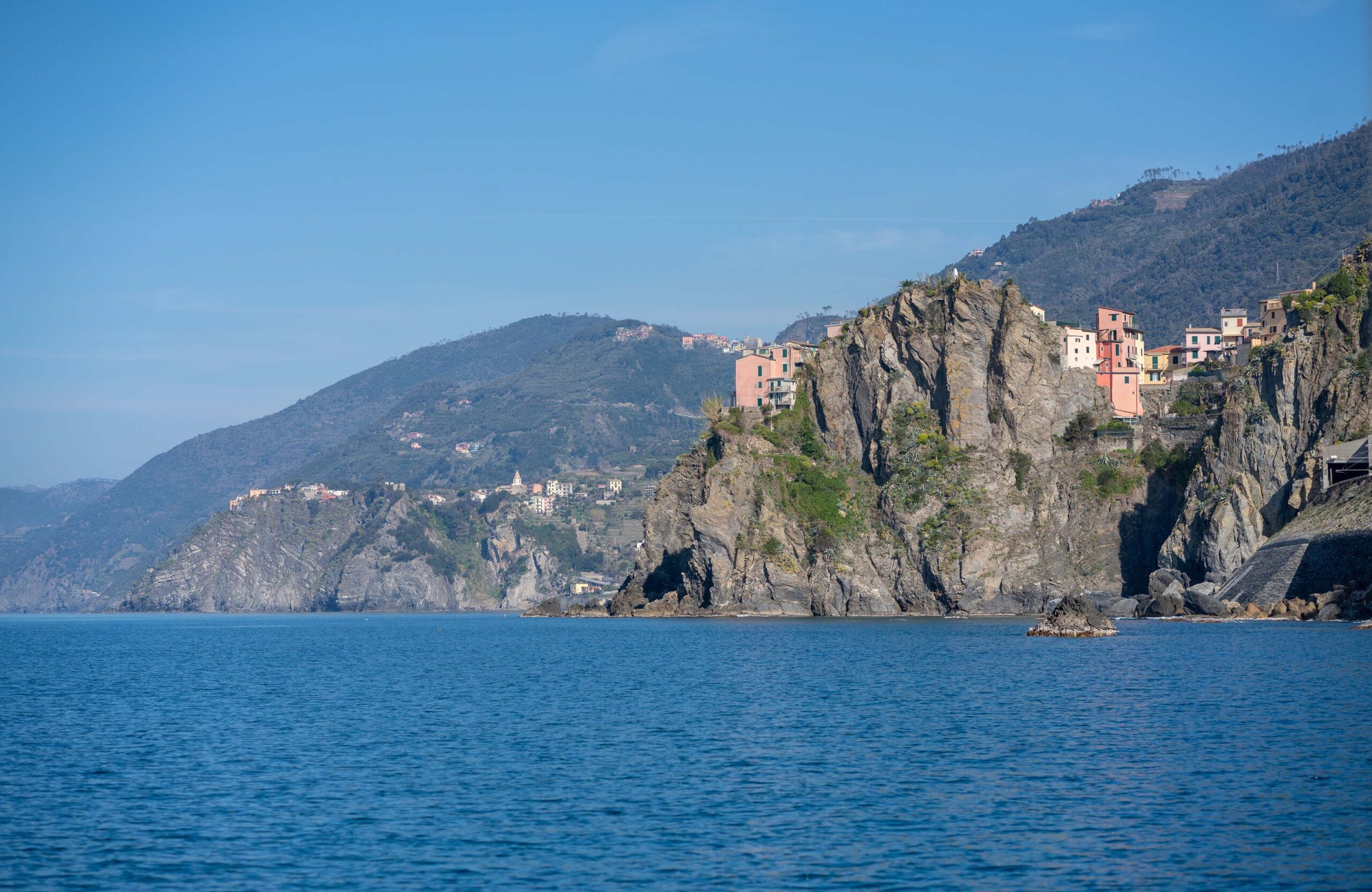 5 Reasons why seeing the Cinque Terre by sea in a boat tour is the way to go